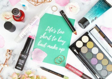 Blogger of the month: Love Laughs Lipstick