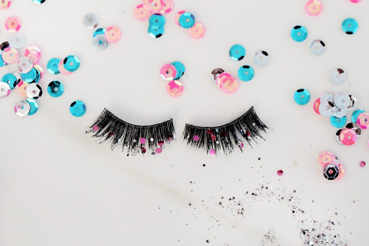 glitter-diy-lashes