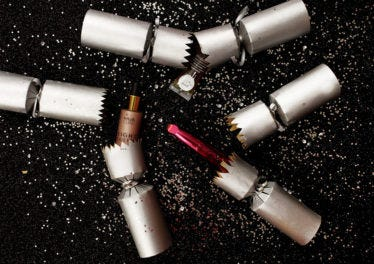 DIY your own beauty Christmas crackers!
